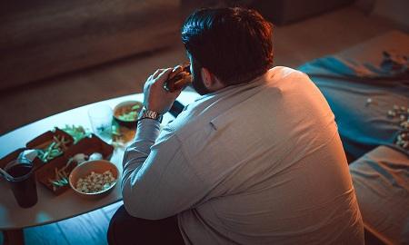 پرخوری افراطی یا اختلال بینگه چیست؟ binge