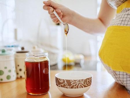 خواص و خطرات مصرف عسل برای خانم های باردار honey during