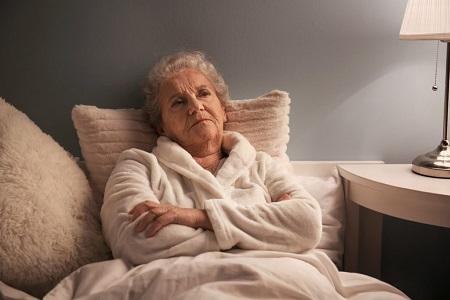 علل و راههای درمان منفی بافی در سالمندان negative weaving