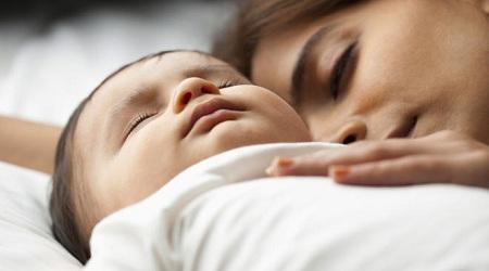 همه چیز درباره تنفس نوزاد در خواب baby breathing