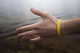 کشف آلاینده های هوا با مچبندهای سیلیکونی Silicone wrist strap