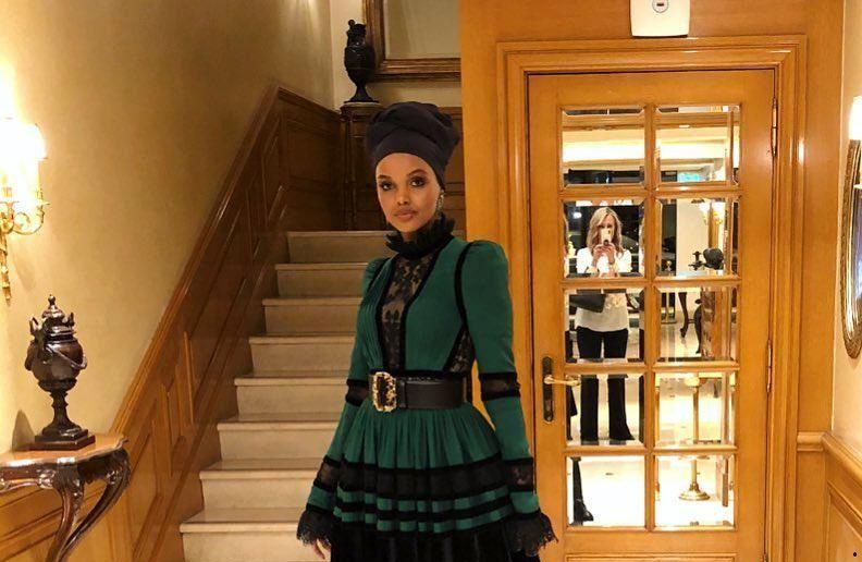 افشارگری مدلینگ با حجاب حلیمه عدن Halima Aden از دنیای مد
