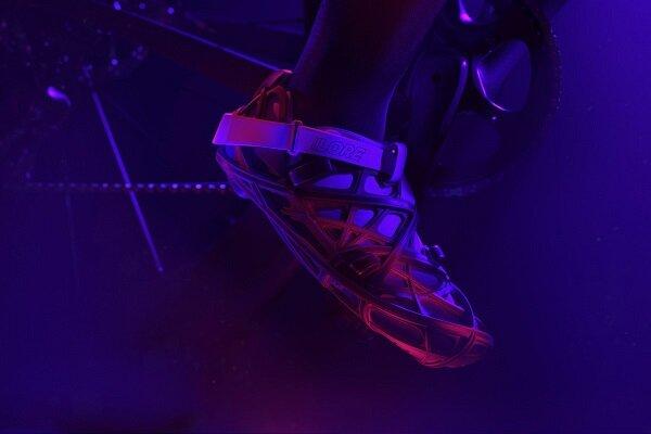 تولید کفش بازیافتی با فیبر کربن و چاپگر سه بعدی