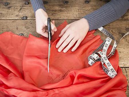رسم پارچا بیشمه یا پارچه بران در عروسی bishmeh fabric cutter