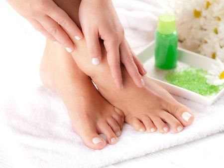 علل لکه های پوست پا و درمان خانگی و پزشکی foot skin blemishes
