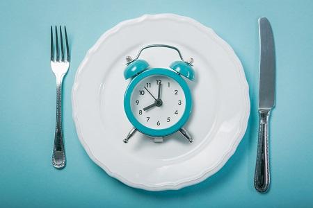 رژیم لاغری و کاهش وزن فستینگ fasting