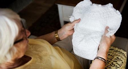 انواع بی اختیاری ادرار در سالمندانurinary incontinence