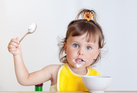 فواید مصرف ماست برای کودکان yogurt